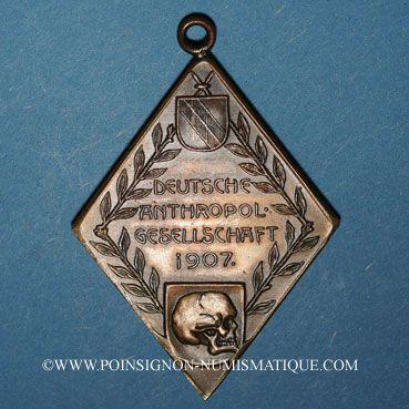 Coins Strasbourg. Société anthropologique allemande – Exposition de 1907. Bronze. Losange 35,28 x 51,08 mm
