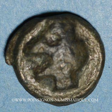 Coins Turones. Région de Tours. Potin à la tête diabolique, ers 80-50 av. J-C