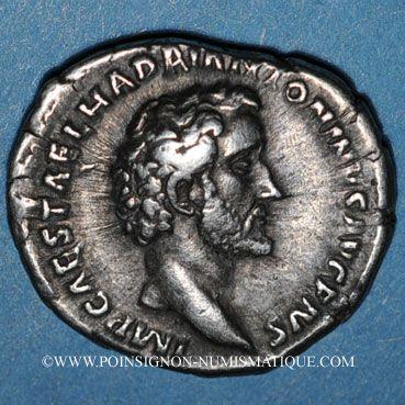 Coins Antonin le Pieux (138-161). Denier. Rome, 138. R/: Diane debout à droite tenant un arc et une flèche