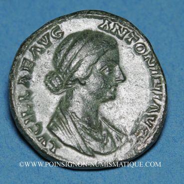 Coins Lucille, épouse de Lucius Vérus (+ 183). As. Rome, 164-166. R/: Vesta voilée debout à gauche