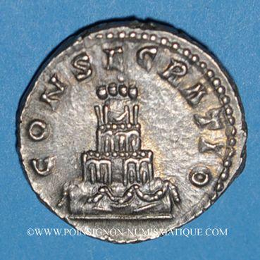 Monnaies Antonin le Pieux (138-161). Denier. Rome, 161. Frappé sous Marc Aurèle. R/: bûcher funéraire