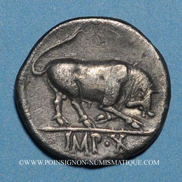 Monnaies Auguste (27 av. - 14 ap. J-C). Denier. Lyon, 15 av. J-C. R/: taureau