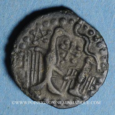 Münzen Carnutes. Région de Chartres. Bronze à l'aigle et à l'aiglon, 2e moitié du 1er siècle av. J-C