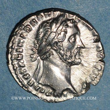 Münzen Antonin le Pieux (138-161). Denier. Rome, 151-152. R/: la Piété