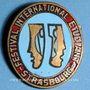 Coins Alsace. Strasbourg. Festival international Etudiant. Insigne ovale. Bronze émaillé. 21,6 x 30,3 mm