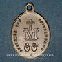 Coins Thierenbach. Souvenir de Notre Dame (19e - début 20e). Laiton. Ovale, avec œillet. 8,82 x 26,76 mm