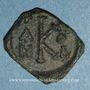 Coins Constant II et ses fils Constantin IV, Héraclius et Tibère. Follis. Syracuse, an 4 (660-661)