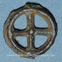 Coins Rouelle celte à quatre rayons avec un point au centre. Potin. 11,4 mm