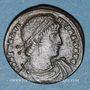 Coins Constantin I (307-337). Follis. Constantinople, 1ère officine, 330-333.  R/: deux soldats