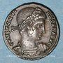 Coins Constantin I (307-337). Follis. Nicomédie, 4e officine, 330-335. R/: deux soldats casqués