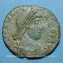 Coins Gratien (367-383). Maiorina. Arles, 1ère officine, 381-383. R/: l'empereur relevant une femme