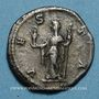 Coins Julia Mamée, mère d'Alexandre Sévère († 235). Denier. Rome, 226. R/: Vesta voilée debout à g.