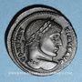 Monnaies Constantin I (307-337). Follis. Arles, 1ère officine, 323-324. R/: VOT / XX  dans une couronne