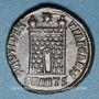 Monnaies Constantin II, césar (317-337). Centénionalis. Antioche, 6e officine, 325-326. R/: porte de camp