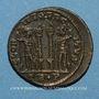 Monnaies Constantin II, césar (317-337). Centénionalis. Trèves, 1ère officine. 322-323. R/: deux soldats