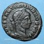 Monnaies Constantin II, césar (317-337). Follis. Arles, 4e officine, 320-321. R/: VO / TIS / V