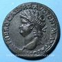 Monnaies Néron (54-68). Sesterce. Lyon, 66. R/: arc de triomphe