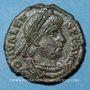 Monnaies Valens (364-378). Centénionalis. Aquilée, 2e officine, 364-367. R/: l'empereur tenant le labarum