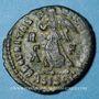 Monnaies Valens (364-378). Centénionalis. Siscia, 1ère officine, 364-367. R/: Victorie à g.