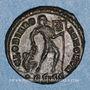 Monnaies Valens (364-378). Centénionalis. Siscia, 2e officine, 365. R/: l'empereur debout à droite
