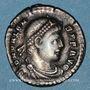 Monnaies Valens (364-378). Silique. Trèves, 367-375. R/: Rome assise à gauche
