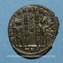 Münzen Constantin II, césar (317-337). Centénionalis. Trèves, 1ère officine. 333-334. R/: deux soldats