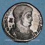 Münzen Magnence (350-353). Maiorina. Arles, 2e officine, 350. R/: Magnence à cheval à droite